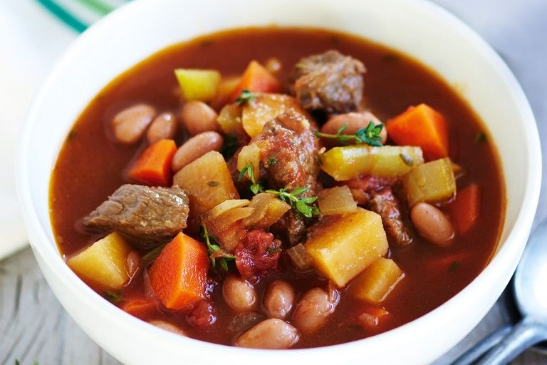 Thịt bò sốt kèm rau củ bổ sung nặng lượng cho cơ thể