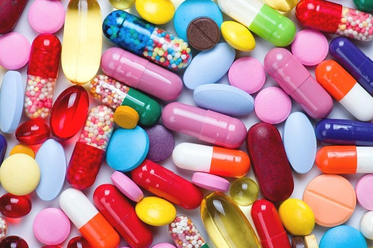 Sử dụng các loại thuốc kháng sinh, kháng viêm để điều trị