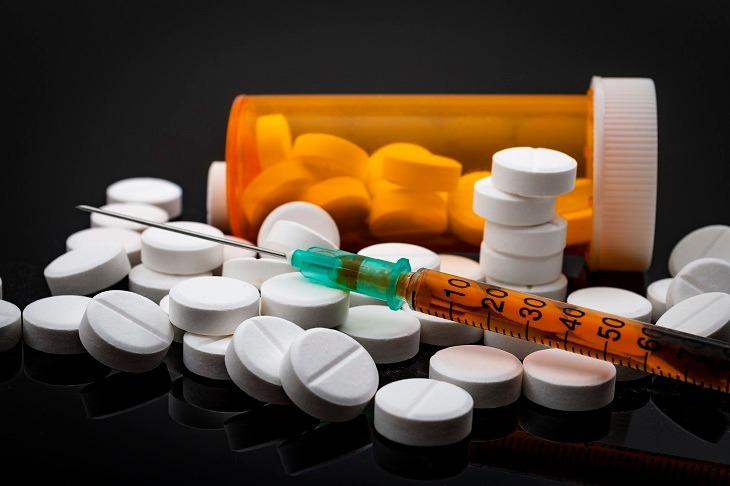 Thuốc giảm đau có thể gây nghiện nếu lạm dụng quá lâu