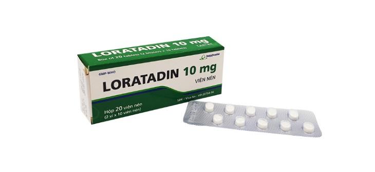 Người bệnh có thể áp dụng cả thuốc uống và bôi trong điều trị Tây y