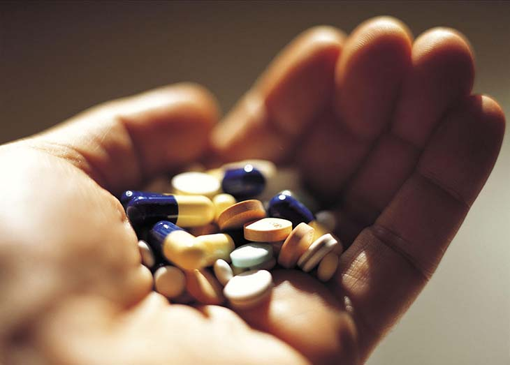 Thuốc uống làm giảm sinh lý đàn ônggồm cả nhóm thuốc rụng tóc