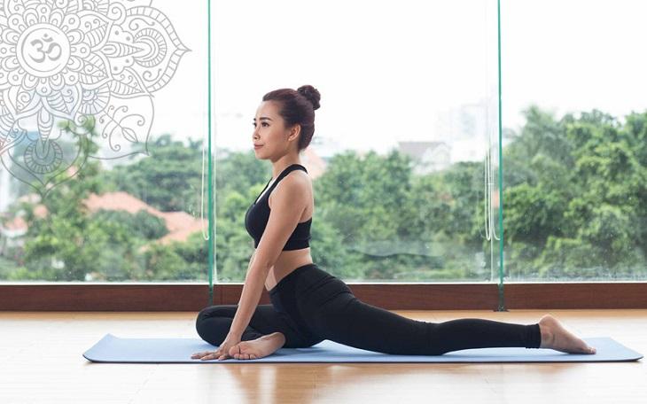 Tập yoga, vận động nhẹ nhàng giúp tinh thần chị em thoải mái hơn