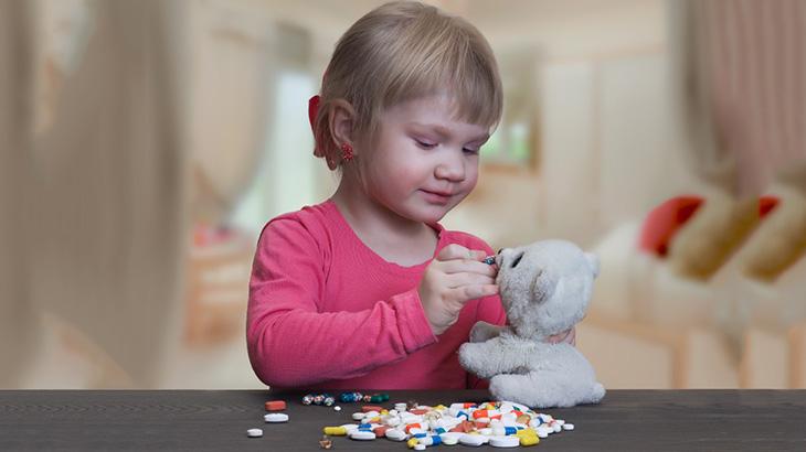 Không nên tự ý cho trẻ dùng thuốc kháng sinh