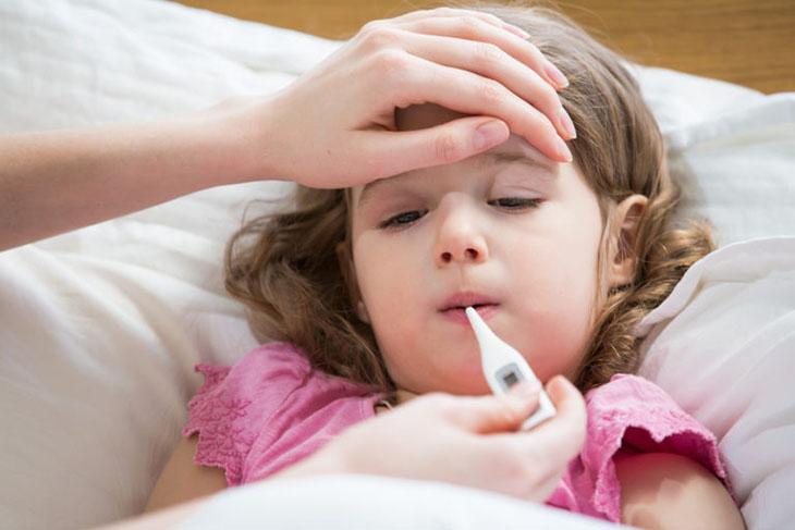 Viêm amidan có gây sốt không?