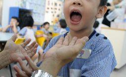Viêm amidan mủ ở trẻ em có thể lây truyền sang người khác