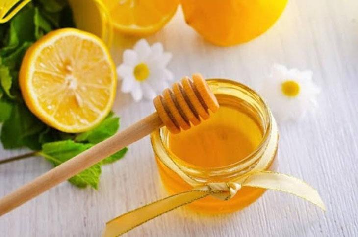 Uống mật ong chanh điều trị viêm amidan ở trẻ em