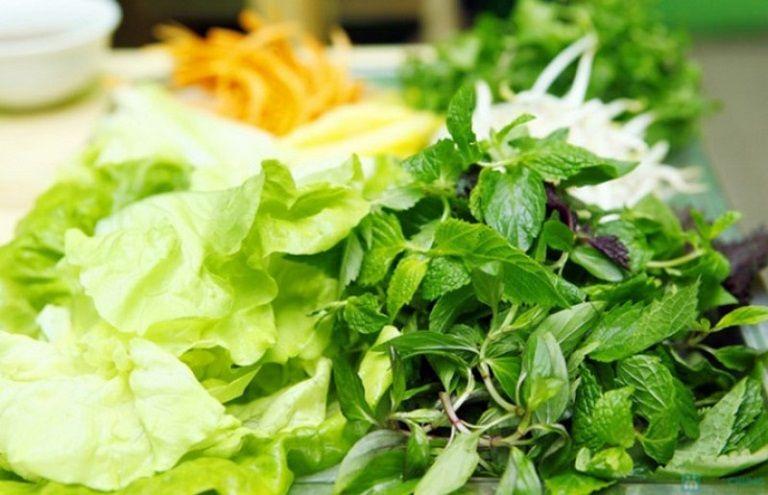 Ăn rau sống có thể bị nhiễm vi khuẩn, ký sinh trùng