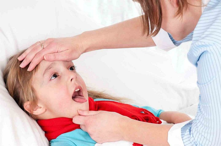 Viêm loét họng ở trẻ nhỏ là bệnh lý thường gặp, khởi phát từ nhiều nguyên nhân khác nhau