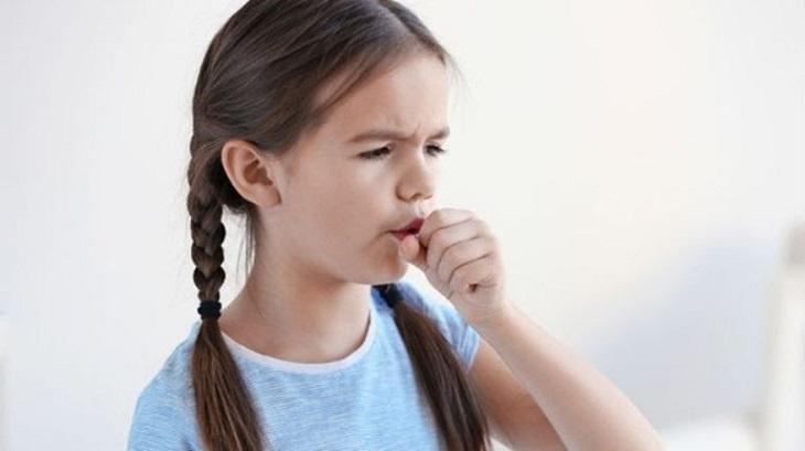 Tình trạng viêm họng cấp kéo dài quá 5 ngày cần đưa trẻ đến cơ sở y tế thăm khám