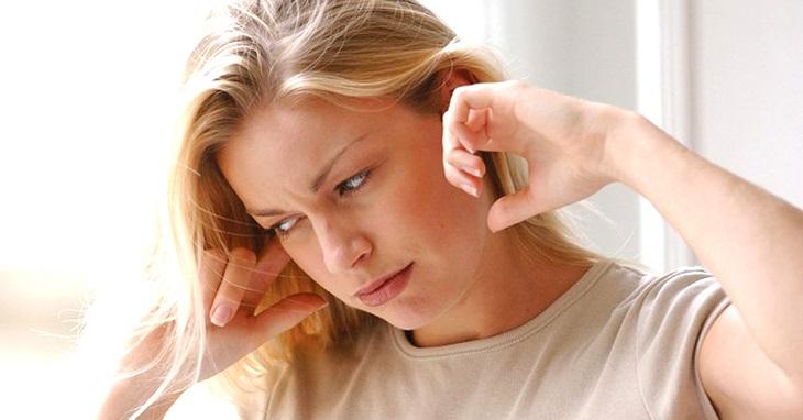 Viêm xoang ù tai khởi phát từ nhiều nguyên nhân khác nhau và gây cảm giác mệt mỏi cho người bệnh