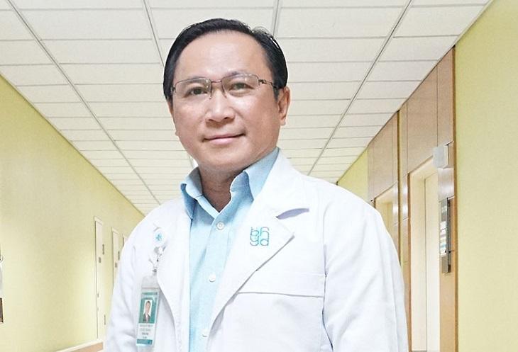 Bác sĩ Hữu Hoàng