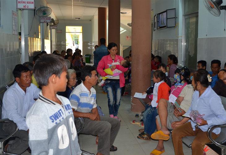 Số lượng người bệnh thăm khám tại bệnh viện thường trong tình trạng quá tải