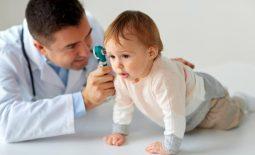 Lời khuyên của các chuyên gia dành cho mẹ có con bị viêm tai giữa
