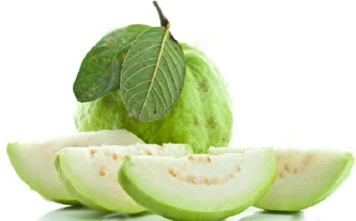 Ăn ổi khi bị đau dạ dày cần phải lưu ý để tránh gây áp lực đến hệ tiêu hóa