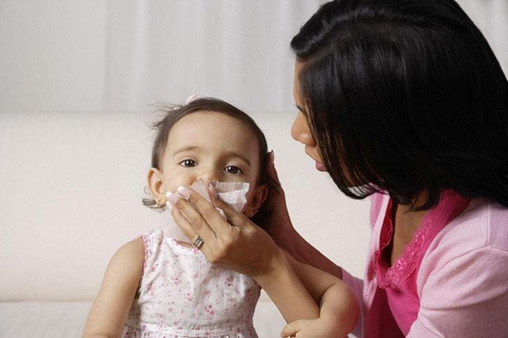 Nhìn chung viêm tai giữa ở trẻ sơ sinh gây ảnh hưởng tiêu cực đến sức khỏe tổng thể