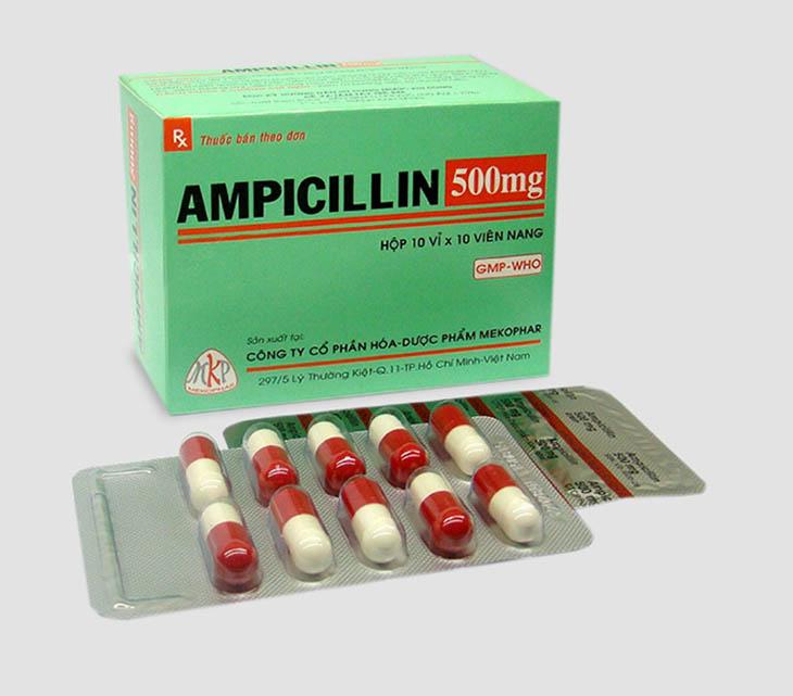 Điều trị viêm họng với kháng sinh Ampicillin