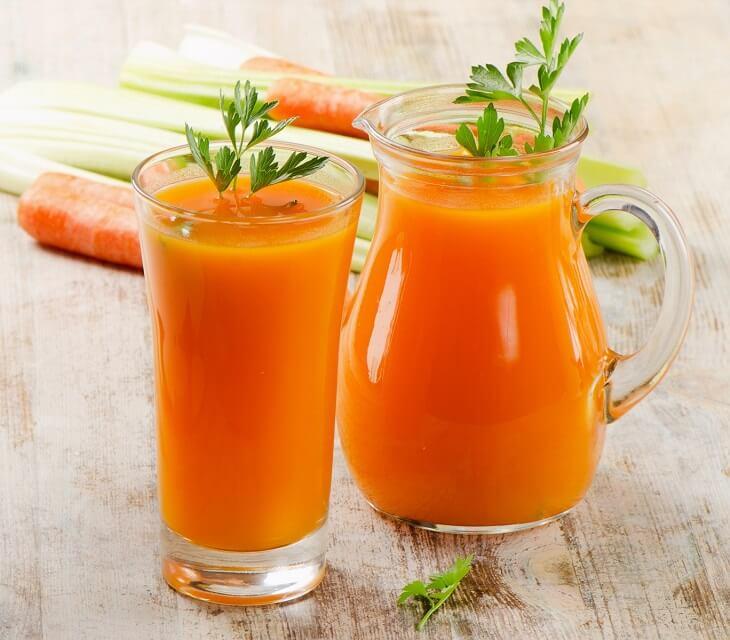 Nước ép cà rốt vừa đẹp da vừa kích thích tiêu hóa tốt cho người bệnh bị trào ngược dạ dày