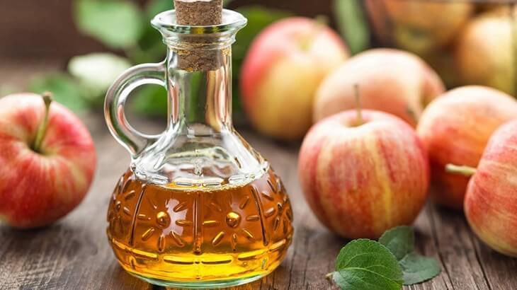 Bị trào ngược dạ dày nên uống giấm rượu táo