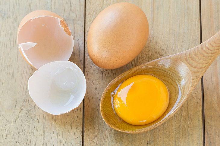 Trứng gà kết hợp với mật ong