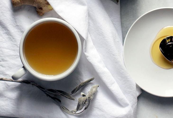 Mật ong pha nước ấm nên sử dụng buổi sáng sớm để có kết quả tốt nhất