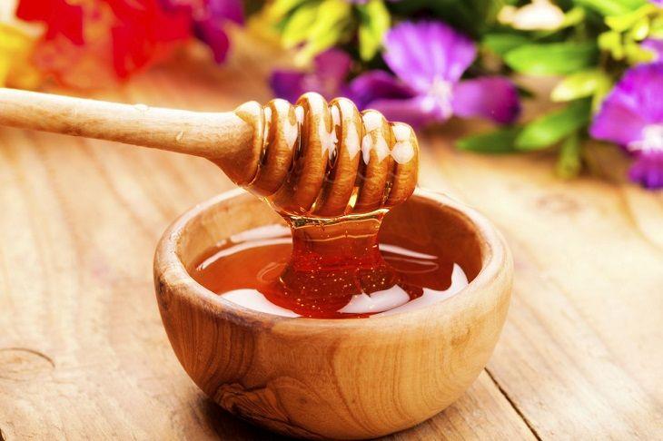Đau dạ dày uống mật ong có thể giả cơn đau nhanh chóng