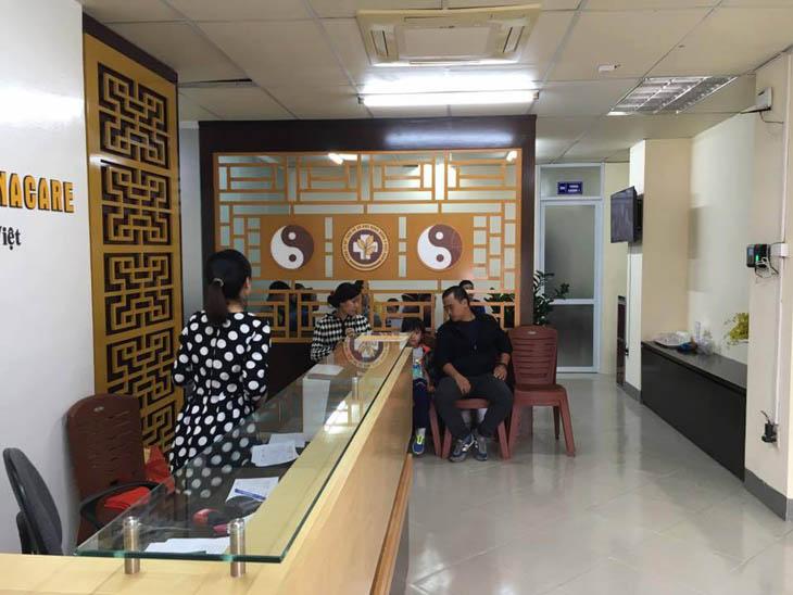 Phòng chờ Trung tâm Đông y Việt Nam