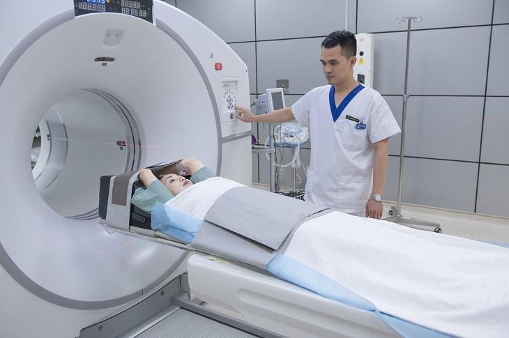 Chụp CT ổ bụng để chẩn đoán bệnh viêm loét đại trực tràng chảy máu