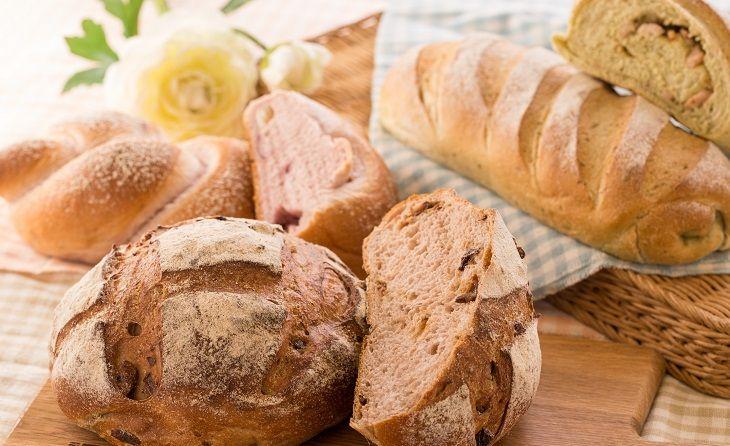 Viêm dạ dày nên ăn bánh mỳ để hút bớt lượng axit dư thừa