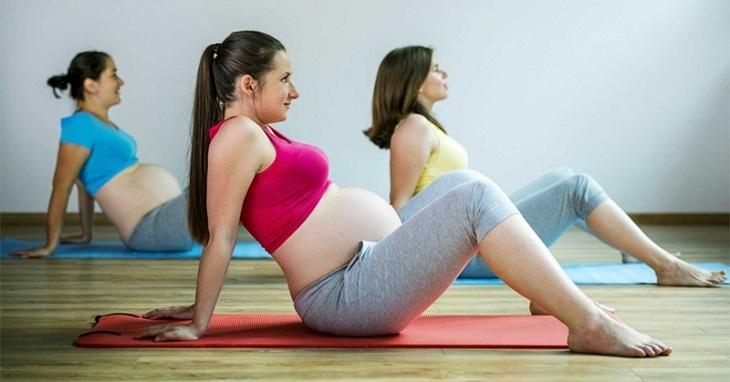 Bà bầu tập yoga cũng có thể cải thiện được bệnh