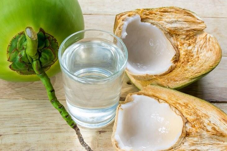 Điều trị đau dạ dày bằng quả dừa được nhiều bệnh nhân tin tưởng sử dụng