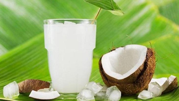 Uống nước dừa đúng cách sẽ hiệu quả hơn