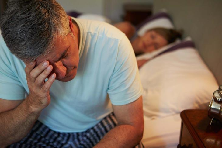 Dấu hiệu nhận biết chứng mất ngủ tuổi trung niên rất đa dạng