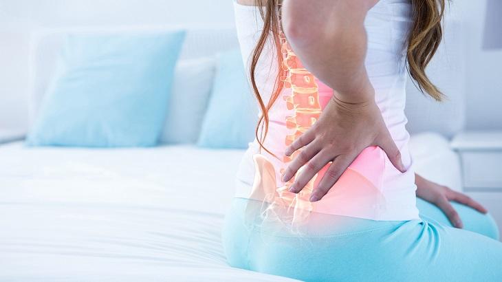 Thoát vị đĩa đệm cột sống thắt lưng thường gây đau nhức sau khi ngủ dậy