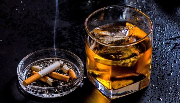 Rượu bia, thuốc lá là một trong những tác nhân chính gây bệnh