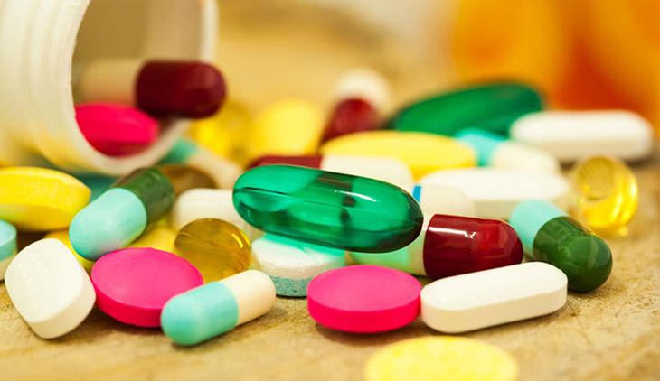 Corticoid tác dụng toàn thân là một trong những loại thuốc điều trị viêm xoang cấp ở trẻ em