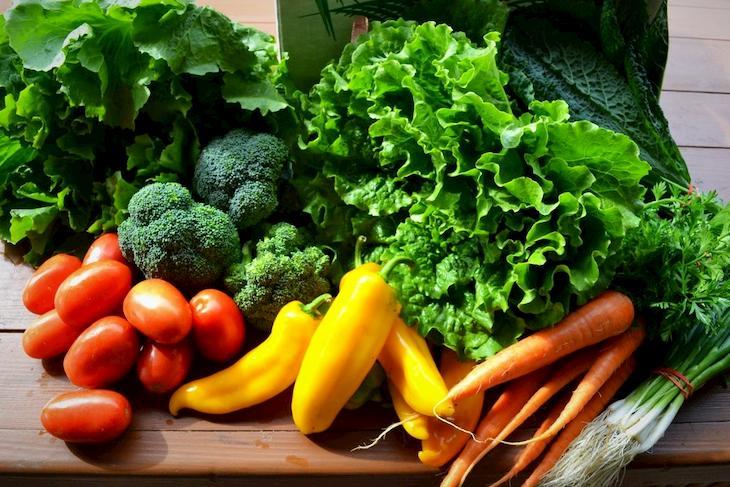 Rau xanh và trái cây là sự lựa chọn tốt nhất khi điều trị bệnh viêm họng hạt