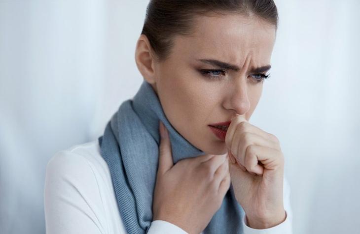 Cần bảo vệ cổ họng khi thời tiết lạnh