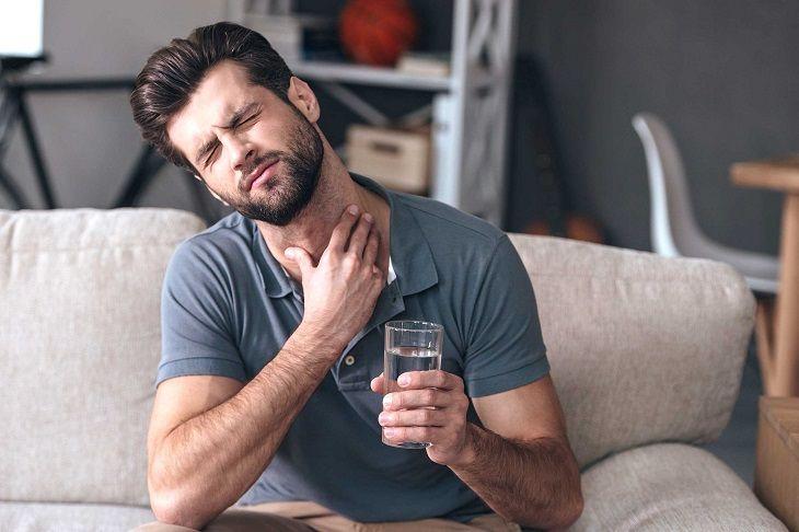 Trào ngược dạ dày gây các triệu chứng bệnh khó chịu
