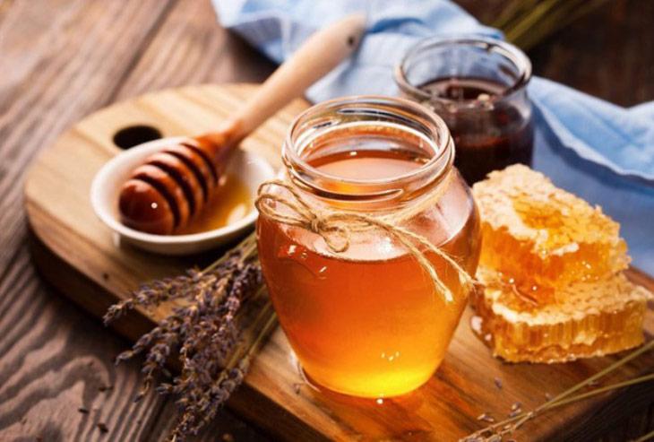 Áp dụng bài thuốc từ mật ong