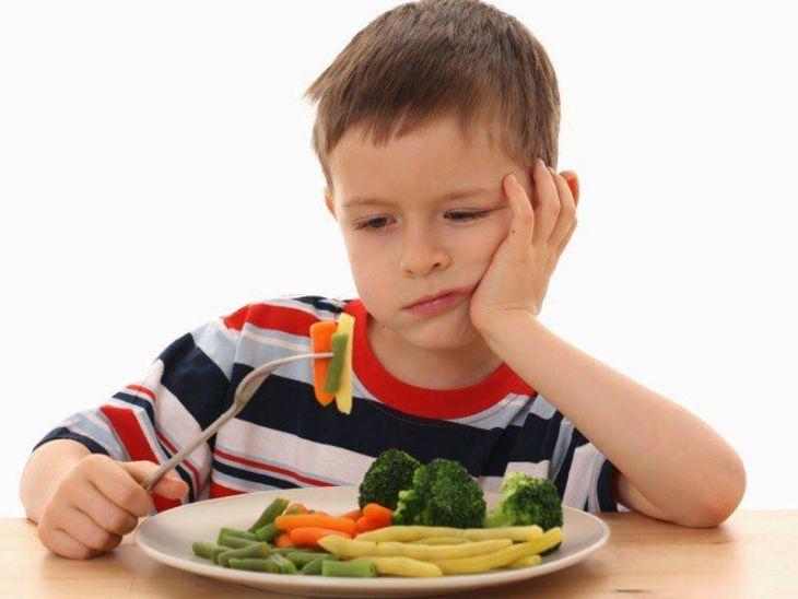 Mất ngủ đêm khiến trẻ mệt mỏi, chán ăn