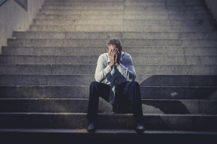 Viêm xoang khiến cuộc sống của anh Hiếu trở nên hỗn độn, bế tắc