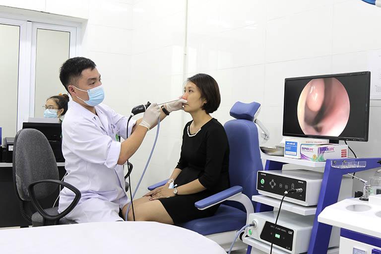 Kết hợp tây y trong điều trị bệnh tại bệnh viện Quân dân 102