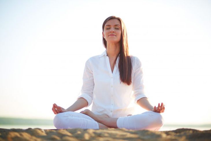 Ngồi thiền giúp dưỡng tâm, an thần giấc ngủ ngon hơn