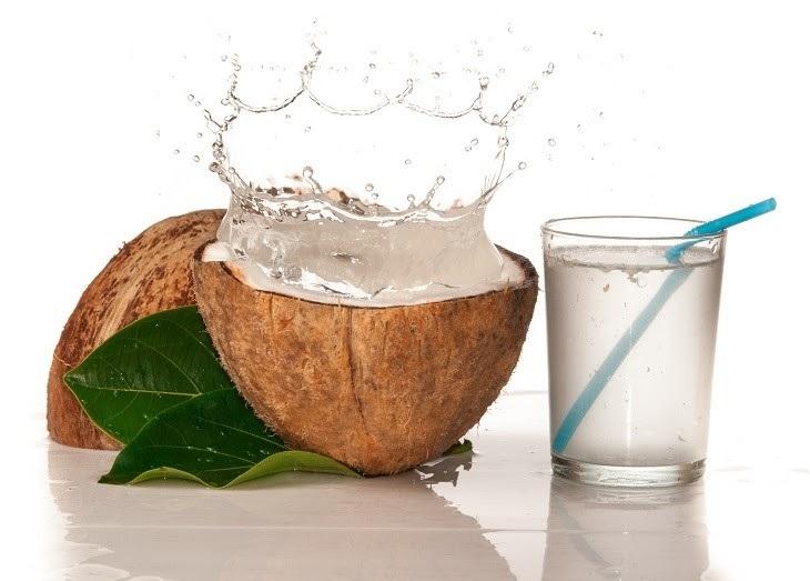Nước dừa chỉ đóng vai trò trong việc hỗ trợ điều trị bệnh viêm đại tràng