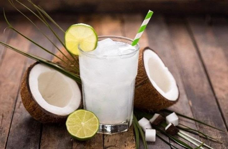 Nước dừa hỗ trợ đường ruột chống lại các vi khuẩn gây bệnh
