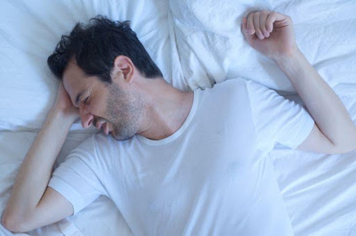 Có rất nhiều nguyên nhân gây hiện tượng mất ngủ buồn nôn