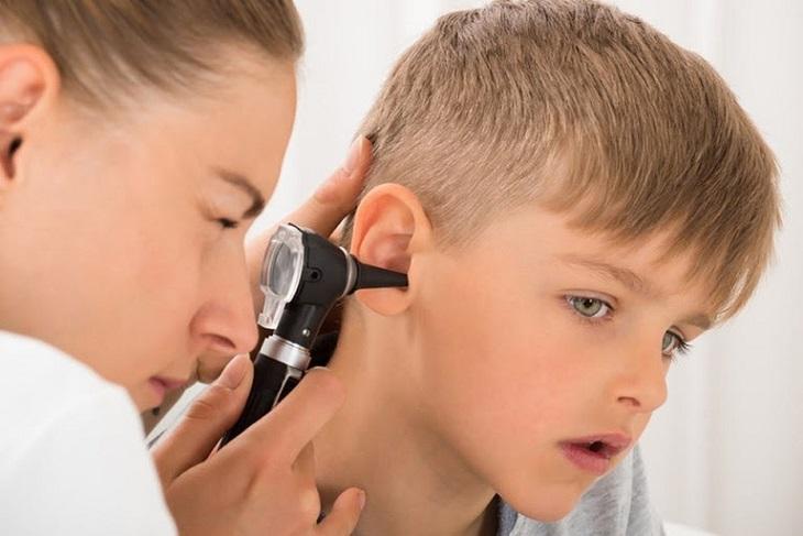 Chẩn đoán phân biệt trong phác đồ điều trị viêm tai giữa ứ dịch