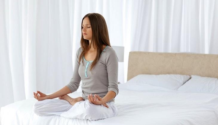 Thả lỏng cơ thể trước khi đi ngủ để vào giấc nhanh hơn