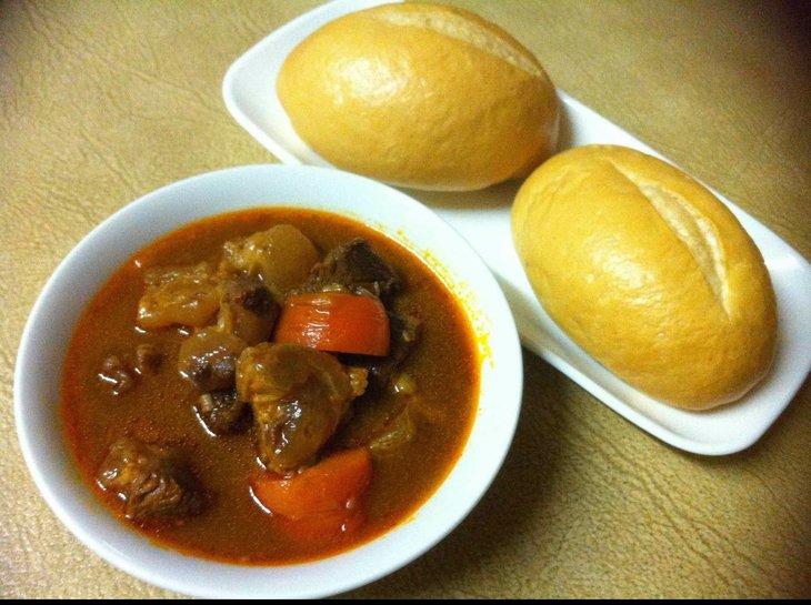 Món thịt dê hầm cà rốt tốt cho sức khỏe, bạn có thể ăn cùng cơm trắng hoặc bánh mì
