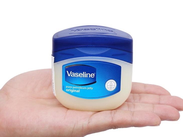 Vaseline là dòng kem dưỡng ẩm da được nhiều người lựa chọn